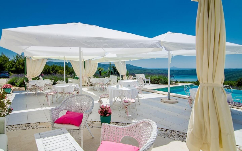 Boutique Hotel Villa Stefanija mit Pool, Restaurant und Meerblick bei Barban, Istrien, Kroatien.