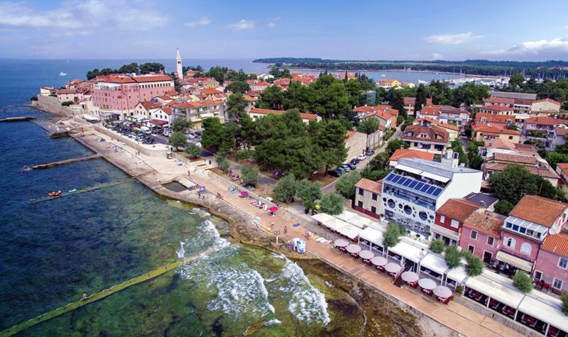 Todschickes design hotel direkt am meer in novigrad for Design hotel kroatien